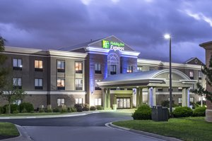 Exterior view - Holiday Inn Express Village West Kansas City