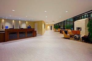 Lobby - Crowne Plaza Hotel Fairfield