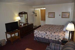 Room - Red Carpet Inn Ebensburg