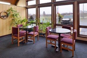Restaurant - Red Carpet Inn North East