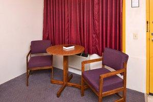 Room - Red Carpet Inn North East