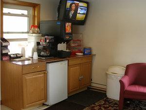 Restaurant - Red Carpet Inn Allentown