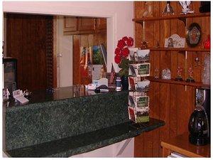 Lobby - Red Carpet Inn & Suites Morgantown