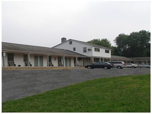 Exterior view - Red Carpet Inn & Suites Morgantown