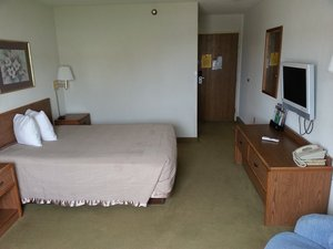 Room - Red Carpet Inn & Suites North Sioux City