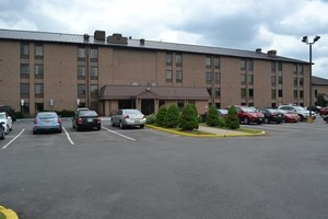 Exterior view - Red Carpet Inn & Suites South Plainfield