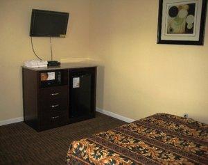 Room - Red Carpet Inn & Suites Wrightstown