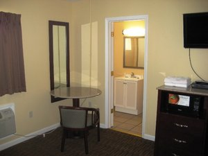 Red Carpet Inn Amp Suites Wrightstown Nj See Discounts