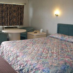 Room - Red Carpet Inn Berlin