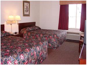 Room - Red Carpet Inn Chambersburg