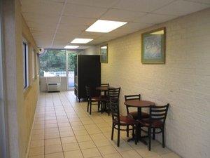 Restaurant - Red Carpet Inn Dothan