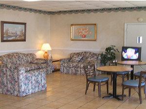 Lobby - Red Carpet Inn Emporia