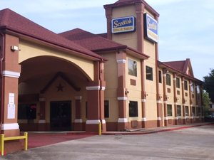 Exterior view - Scottish Inn & Suites Hobby Airport Houston