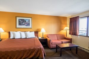 Suite - Scottish Inn & Suites Eau Claire