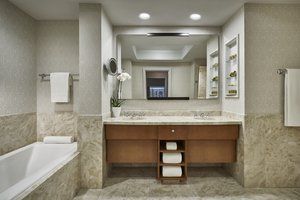 Suite - Ritz-Carlton Hotel at Boston Common
