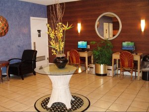 Conference Area - Red Carpet Inn Fort Lauderdale Airport