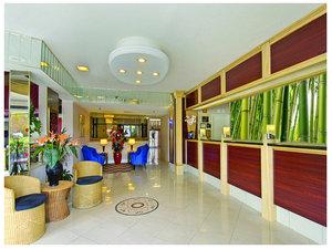 Lobby - Tiki Resort Lake George