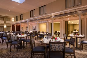 Restaurant - DoubleTree by Hilton Hotel Laurel