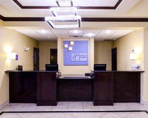 Lobby - Holiday Inn Express Hotel & Suites Eastland