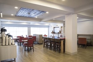 Restaurant - Holiday Inn Express Hotel & Suites Alexandria