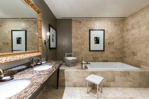 Suite - Hotel ZaZa Houston