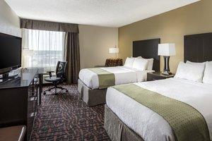 Room - Holiday Inn Wichita