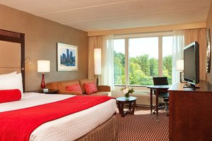 Room - Crowne Plaza Hotel Woburn