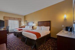 Room - Holiday Inn Express Hotel & Suites Salina