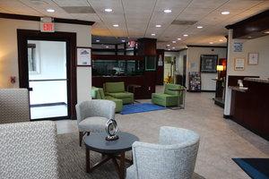 Lobby - Holiday Inn Express Paramus