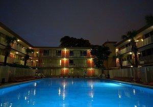 Pool - Red Carpet Inn Fort Lauderdale Airport