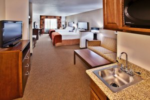 Room - Holiday Inn Express Hotel & Suites Dubuque