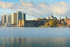 Exterior view - Holiday Inn Waterfront Kingston