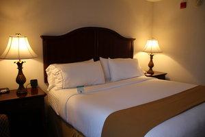Room - Holiday Inn Express Paramus
