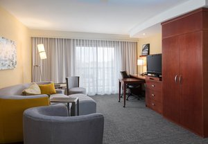 Room - Courtyard by Marriott Hotel West Des Moines