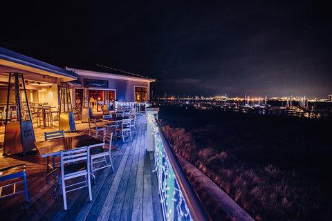 Bridge Bar Night
