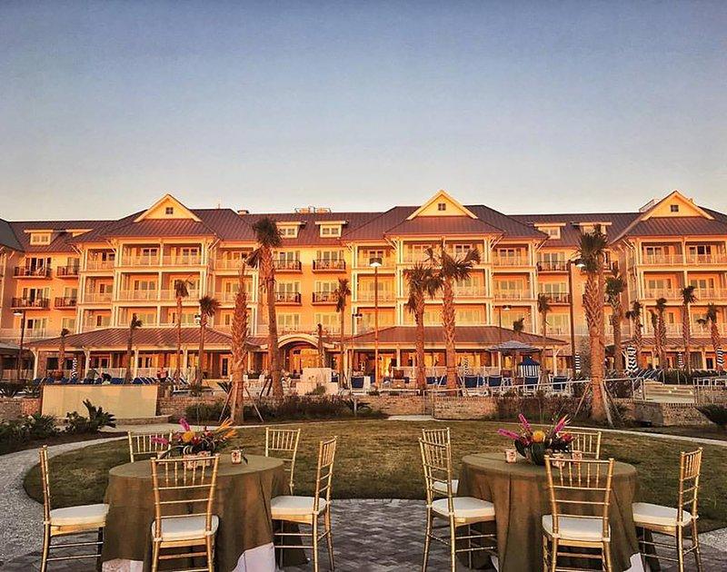 Weddings Beach Club Events Lawn