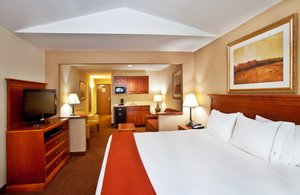 Suite - Holiday Inn Express Hotel & Suites Sheldon