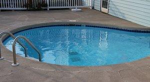 Pool - Best Cozy House Inn & Suites Williamsburg