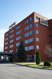 Exterior view - Hotel Le Dauphin Montreal Longueuil
