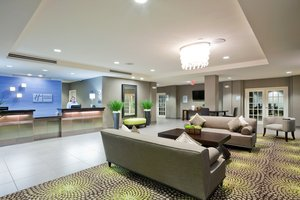 Lobby - Holiday Inn Express Hotel & Suites Hays