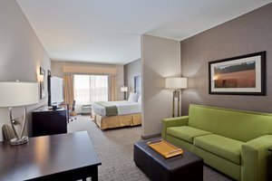 Suite - Holiday Inn Express Hotel & Suites Hays