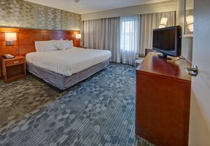 Room - Courtyard by Marriott Hotel Alexandria