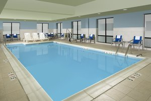 Pool - Holiday Inn Express Hotel & Suites Linthicum