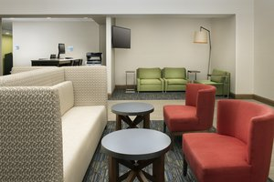 Lobby - Holiday Inn Express Hotel & Suites Linthicum
