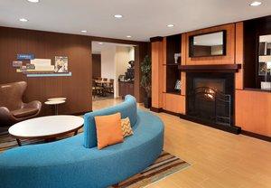 Lobby - Fairfield Inn by Marriott Bloomington