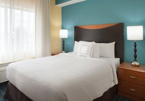 Room - Fairfield Inn by Marriott Bloomington