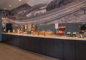 Restaurant - TownePlace Suites by Marriott Altoona