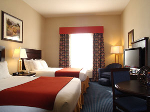 Room - Holiday Inn Express Hotel & Suites Hinton