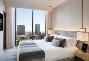 Suite - Dream Hollywood Hotel