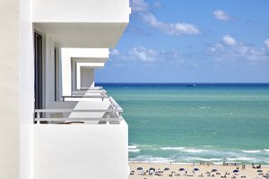 Room - Loews Miami Beach Hotel
